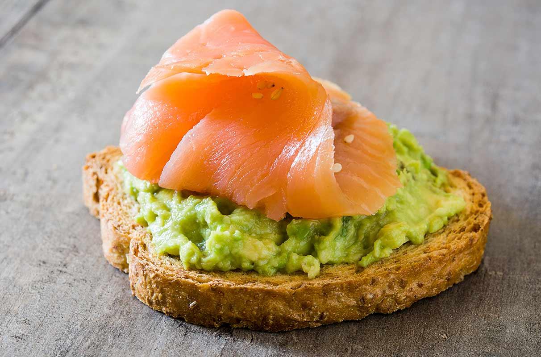 Lachs-Avocado-Brot