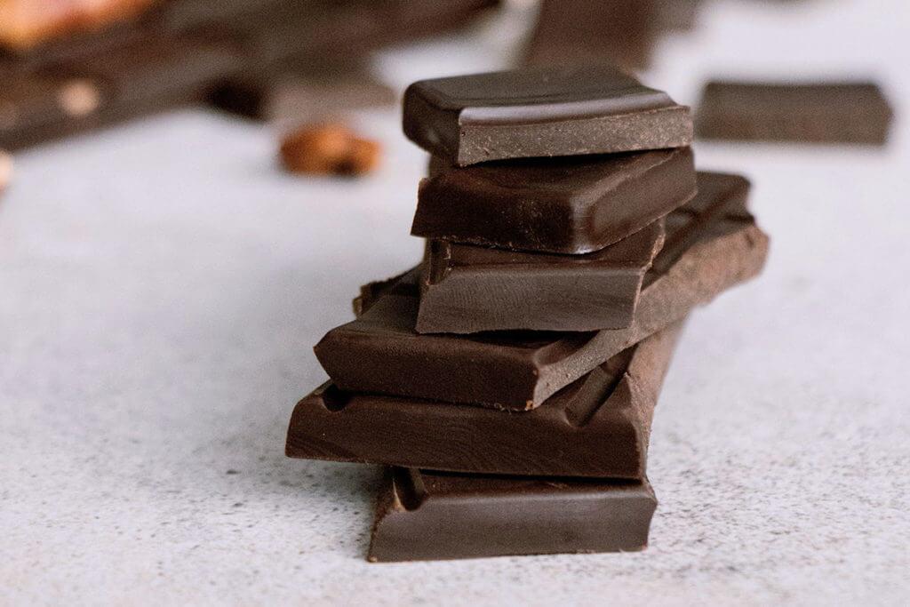 Il cioccolato fondente è un ottimo cibo per i runner