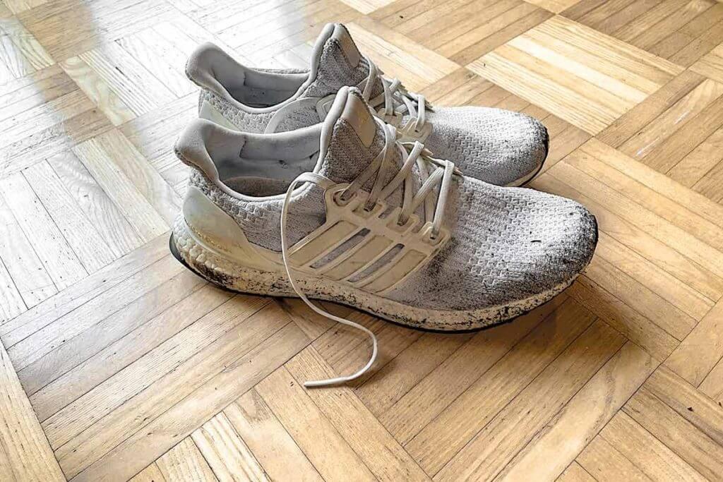 scarpe da running consumate pronte per essere riciclate