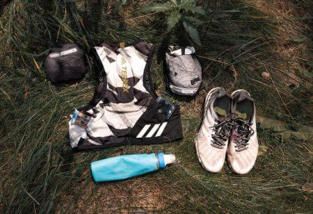 ropa y accesorios para trail running