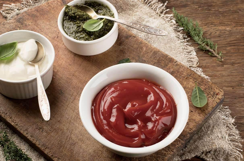 des sauces et des condiments trop sucrés