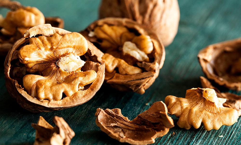 les noix sont essentielles pour la construction musculaire et la prise de masse